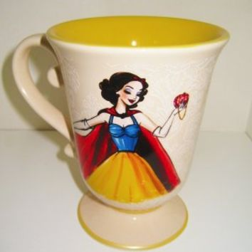 DISNEY PRINCESS DESIGNER DOLL MUG SNOW WHITE CUP STORE