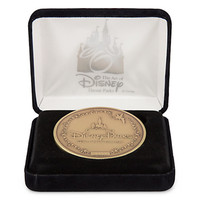 Disney Walt Disney Parks Medallion Share a Dream Come True Limited Edition New