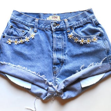 Vintage Floral High waisted denim shorts with Daisies W29