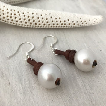 Leather pearl earrings,valentines day gift, leather and pearls, pearl earrings, pearls