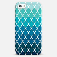 Aqua Ombre Quatrefoil iPhone 5s case by Organic Saturation | Casetagram