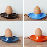 vintage 70s plastic egg cups by EMBEE . made in great britain . brown orange sky blue teal . camping