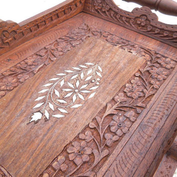 Vintage wooden serving tray with white inlay design and floral carving - Made in India - In excellent condition