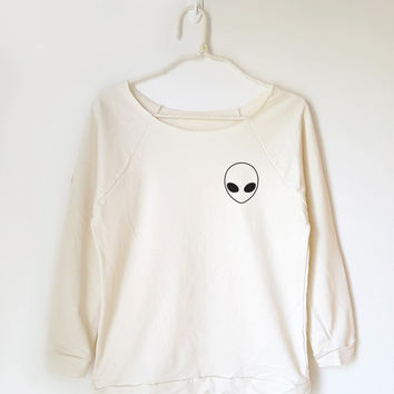 Alien shirt funny graphic shirt pocket shirt women graphic shirt slouchy sweatshirt 3/4 sleeve women shirt slouchy sweatshirt