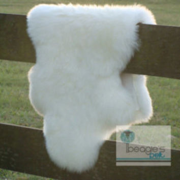 ON SALE Beautiful unique real, natural SHEEPSKIN Cushion, soft, thick fur! - Large 20'x20' creamy white