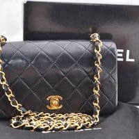 Authentic CHANEL Lamb Skin Matelasse Chain Shoulder Bag Black CC 46489