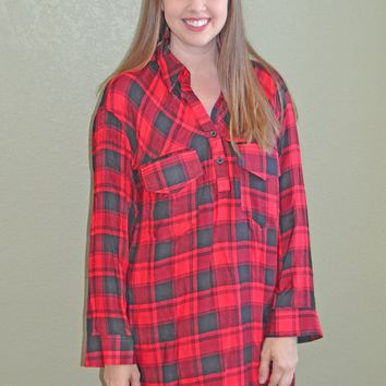 Pop on Over Plaid Tunic: Red/Black