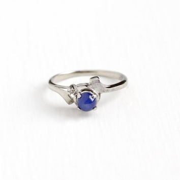 Vintage 10k White Gold Created Star Sapphire & Diamond Ring - Size 7 Retro Blue Asterism Cabochon September Birthstone Dainty Fine Jewelry
