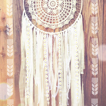 White Daisy Crochet Doily Lace Fabric Shabby Chic Dreamcatcher