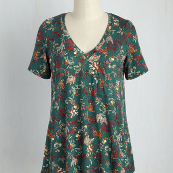 Packing Preserves Floral Top in Forest Flora | Mod Retro Vintage Short Sleeve Shirts | ModCloth.com
