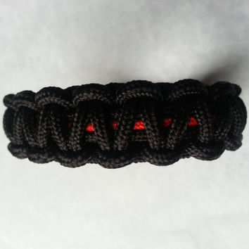 Thin Red Line Bracelet, firefighter bracelet, black paracord, red cord, accessories, jewelry, military, safety services, survival, camping