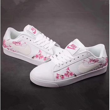 new products 86981 2f763 Nike Tennis Classic AC Women s casual shoes
