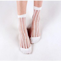 1 Pair Spring Summer Fashion Women Lace Flower Striped Glass Transparent Breathable Crystal Sheer Mesh Knit Ankle Socks 5 Colors
