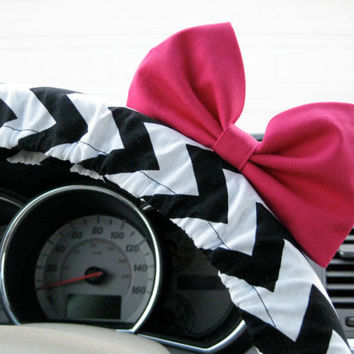 Black and White Chevron Steering Wheel Cover with Matching Bright Brink Pink Bow
