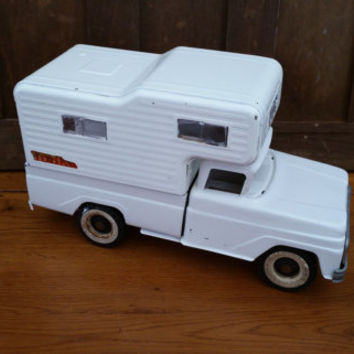 Vintage White Pressed Steel Tonka Toy Truck With Camper Attachment