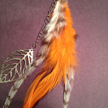 Long Feather Keychain with Leaf Charm- Hippie - Bohemian - Accessory - OOAK - Namaste - Nature - Schlappen - Hackle