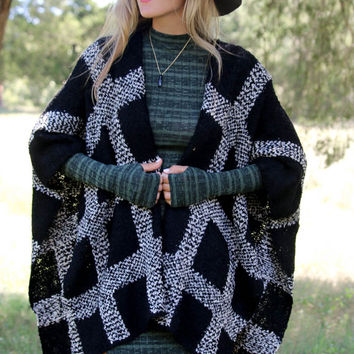 The Old Days Sweater Poncho Black & White Grid Print Knit Dolman