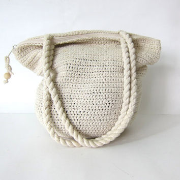 20% OFF SALE Vintage woven bag. off white shoulder bag purse. boho bag / crochet knit handbag