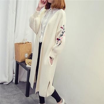 HAO HE SHEN 2017 New autumn winter women long sweater dress loose size embroidery cardigan coat fashion sweaters women clothes