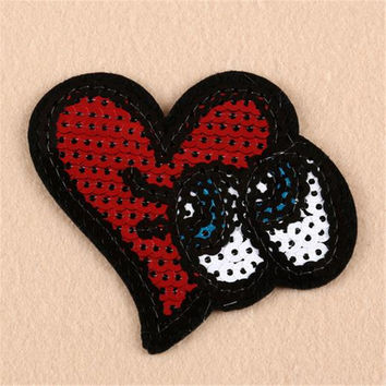 Hot sale women/men/boy/girl clothes embroidery heart eyes patch fashion sequins logo iron on patches for clothing stick fabric