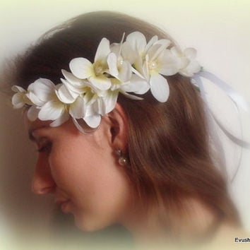 White flower hair crown White floral crown Grecian crown Roman headpiece Woodland crown Wedding flower crown White wedding Boho flower crown