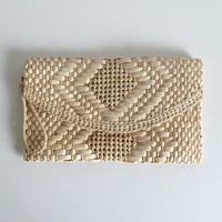 vintage woven clutch / straw wristlet / beach bag / purse