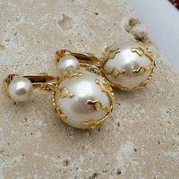 Vintage Faux Pearl Goldtone Dangle Clip-On Earrings Signed Celebrity - Retro Chic  / Art Deco Nouveau / Classy / Elegant / Wedding