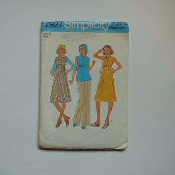 Simplicity 7927 Miss Dress and Hooded Jumper or Top size 12 miss