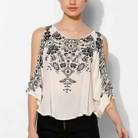 Ecote Mila Cold Shoulder Top-