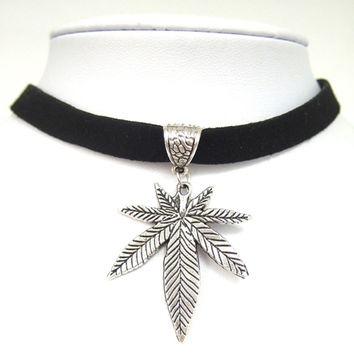 "Black Flat Faux Suede Leather Cord Pot Weed Leaf Charm 13"" Choker Necklace Collares Gothic"
