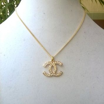 """Classy 16"""" Designer Chain Crystal Pendant Necklace"""