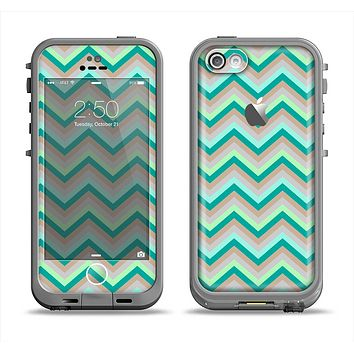 The Vintage Subtle Greens Chevron Pattern Apple iPhone 5c LifeProof Fre Case Skin Set