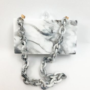 YENS 2017 New Acrylic Clutch Box Women Evening Bag Wedding Bag White Marble Color  Ink Print with Clear Ball Clasp Acrylic Chain