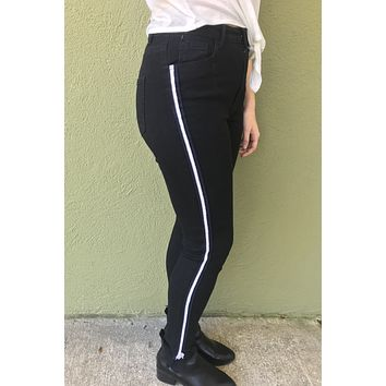 High Rise Skinny Jean - Black