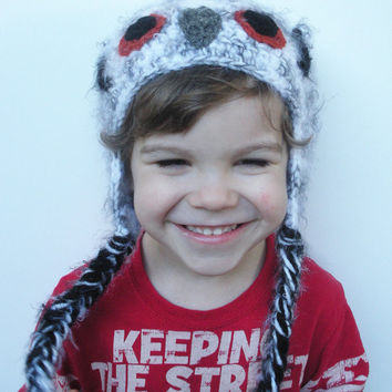 Crochet Owl Hat for Toddlers, white owl hat with earflaps, ready to ship.