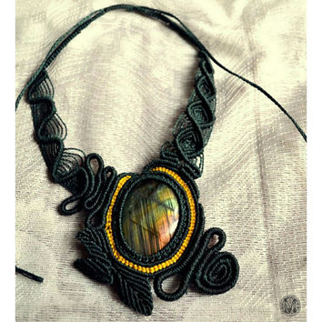 Handmade Macrame necklace with Labradorite gemstone and copper beads