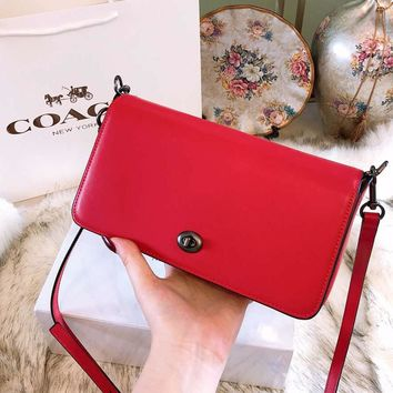 COACH 2018 new high quality wild solid color boutique tofu bag lock collar Messenger bag F-BCZ(CJZX) red