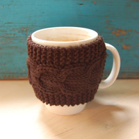 Knit coffee mug cozy with cable pattern, hand knitted, brown
