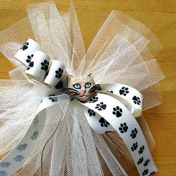 Cat gift bow, Animal bow, Paw print ribbon, Cat face bow, Gift wrap bow, Cat treat bow, Cat collar decoration, Tan cat (DC6)