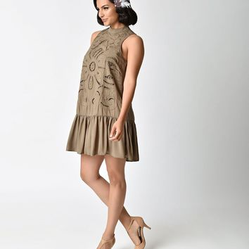 Vintage Style Olive Green Sleeveless Embroidered Flapper Day Dress