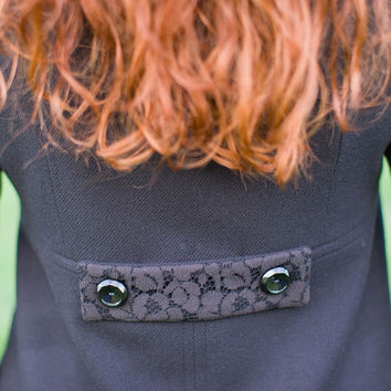 WAVERLEY STATION COAT - Large - Black - Retro Mod -Women's - Wool - Lace Collar - Double Breasted - 1960s Inspired
