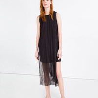PLEATED DRESS WITH SLITS