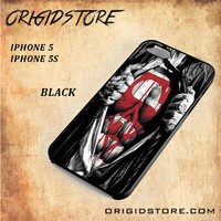 Superman Blood Open Cloth Snap on 2D Black and White Or 3D Suitable With Image For Iphone 5/5S Case