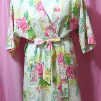 Lounging Robe, Miss Elaine At Home, Short Kimono Wrap, Floral Print, Cool Plisse Fabric, Summer Sleepwear,  Size Small - Medium