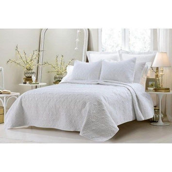 Classic King  White 3 piece Quilted Coverlet Set