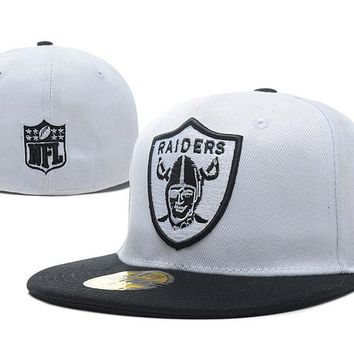 auguau Oakland Raiders New Era 59FIFTY NFL Football Hat White-Black
