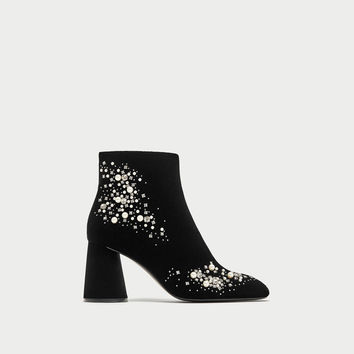 BEADED VELVET ANKLE BOOTS DETAILS