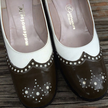 "1940's Brown & White Spectator Pumps // Mademoiselle By Kaufmann""s // Size 7 1/2 AA"