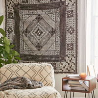 4040 Locust Kiama Quilt Tapestry - Urban Outfitters