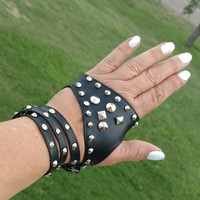 Fingerless gloves with rivets- Small